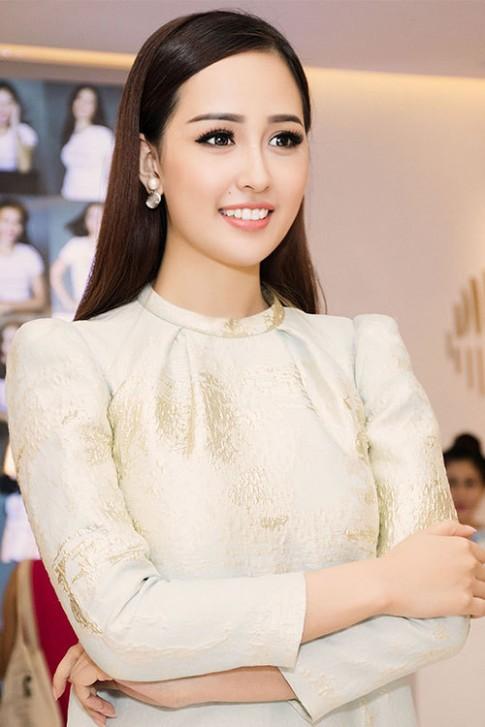 Hot makeup: Mai Phương Thúy trang điểm đẹp như nữ thần
