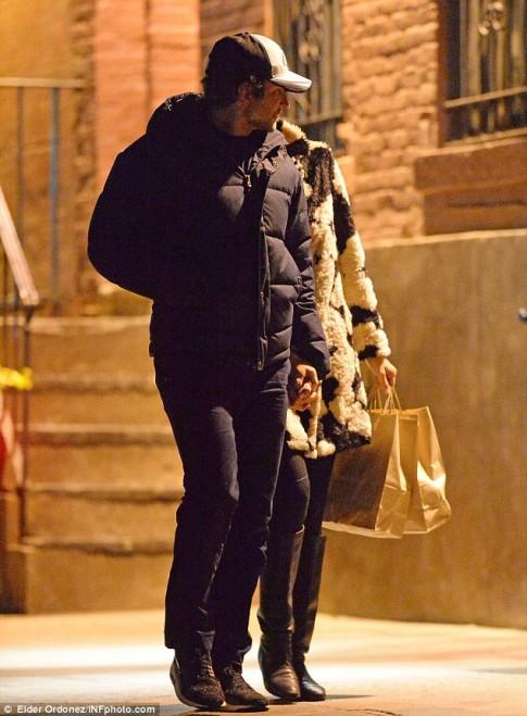 Irina Shayk và bồ triệu phú vẫn gắn bó khăng khít