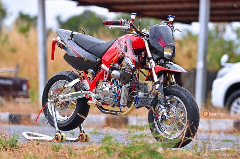 Kawasaki KSR phiên bản hàng khủng với dàn đồ chơi đắt tiền