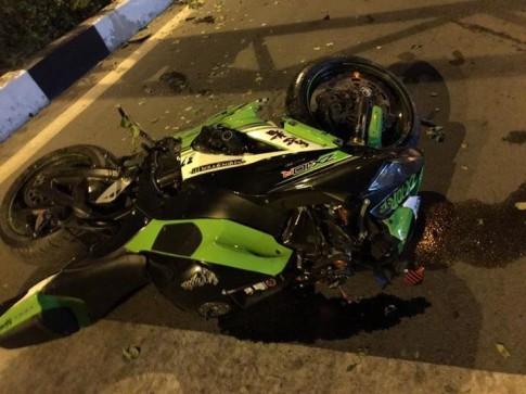 Kawasaki Ninja ZX-10R gặp nạn ở Bình Dương khiến cô gái ngồi sau tử vong