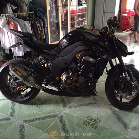 Kawasaki Z1000 cục than di động với dàn đồ chơi đơn giản mà tốn kém