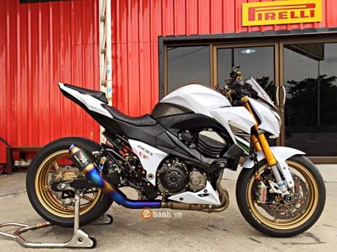 Kawasaki Z800 siêu chất trong bản độ full option