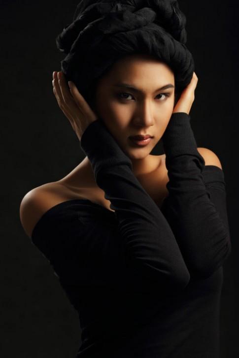 Kim Dung mách nước trang điểm da nâu