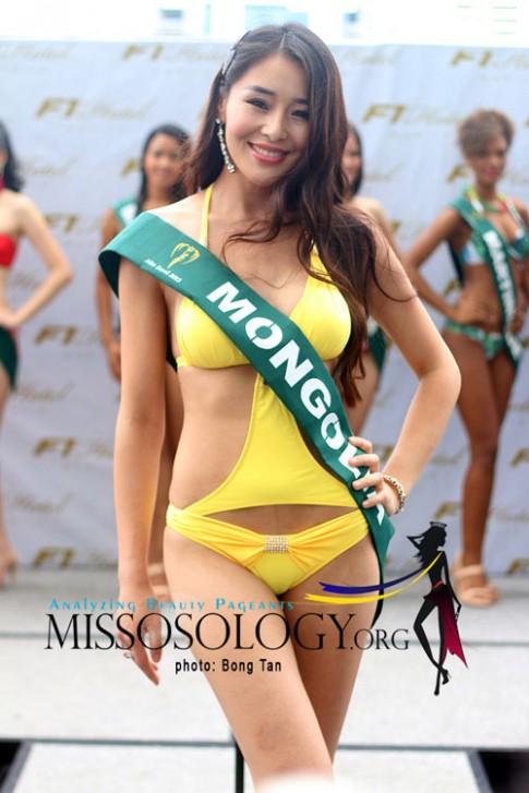 Lay chong sinh con van du thi Miss Earth