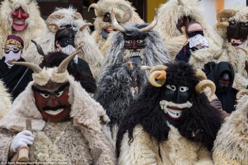 Lễ hội hóa trang rùng rợn nhất Châu Âu