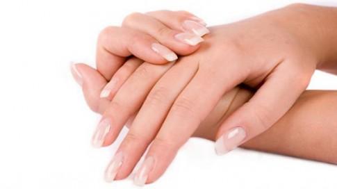 Mẹo hay hạn chế da tay khô tróc vào mùa hanh