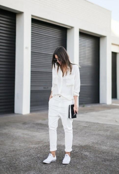 Muốn thật nổi nơi công sở, cứ quần trắng mà diện!