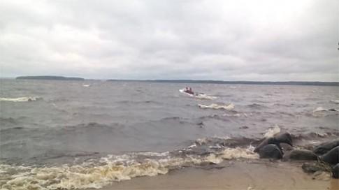 Nga: Chìm tàu du lịch, 14 học sinh chết đuối