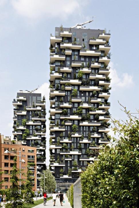 Những tòa nhà bao bọc bởi hàng nghìn cây xanh