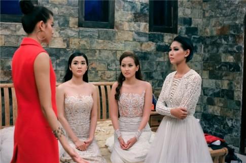 """Phạm Hương tiếp tục """"sinh sát"""" đội Lan Khuê ở tập 6 The Face?"""