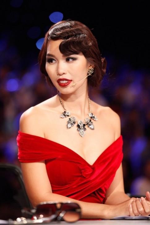 Phat ngon HLV The Face chua la gi so voi giam khao Next Top Model