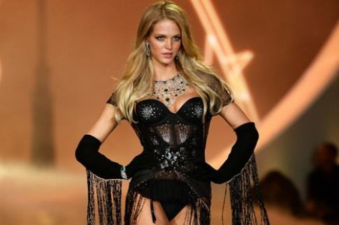 'Thiên thần nội y' rời Victoria's Secret vì sức ép giảm cân