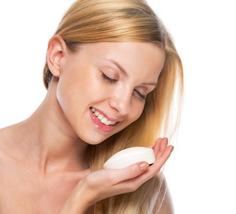 Tự chế xà bông tắm giúp làn da luôn mềm mịn