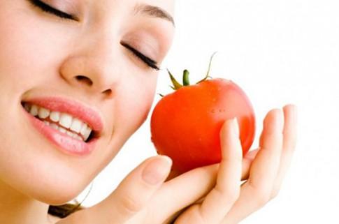 Tuyệt chiêu chăm sóc da căng mịn chỉ với cà chua