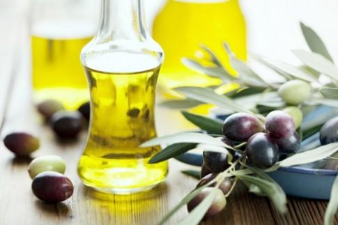 14 cách làm đẹp từ đầu tới chân với dầu oliu