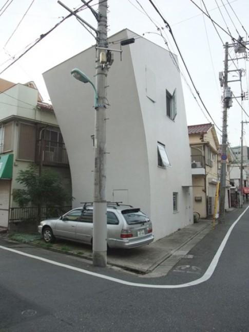5 ngôi nhà cố tình xây nghiêng ngả