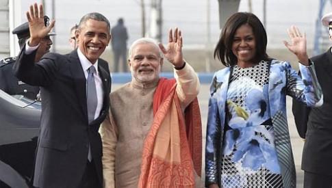 Ấn Độ dự định tặng bà Obama 100 bộ sari dệt từ vàng
