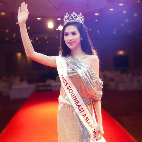 Cận cảnh nhan sắc Hoa hậu đang gây xôn xao mạng xã hội
