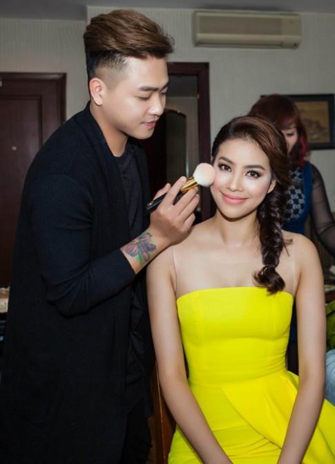 Chuyên gia trang điểm hé lộ sở thích làm đẹp của Phạm Hương