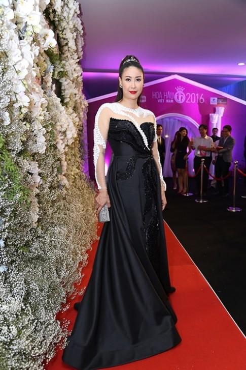 Dàn Hoa hậu, Á hậu Việt Nam toả sắc trên thảm đỏ HHVN 2016