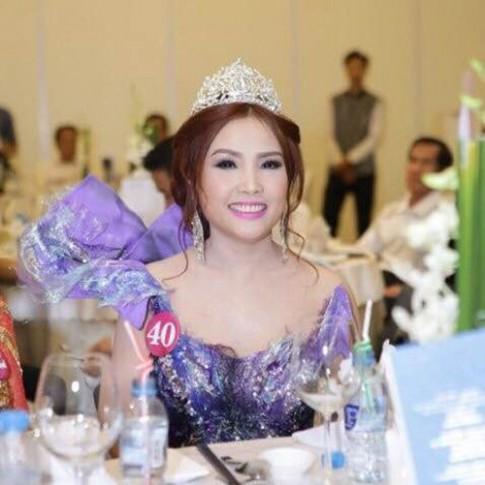 Đặng Gia Bena đoạt giải Á khôi cuộc thi Duyên Dáng Doanh Nhân Việt 2016.
