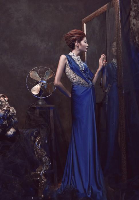 Hoàng Thùy phiêu với đầm dạ hội Hoàng Hải