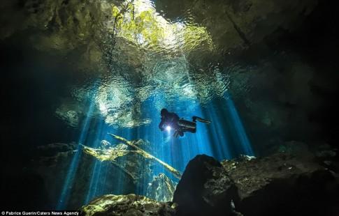 Khám phá nghĩa địa dưới nước của người Maya cổ