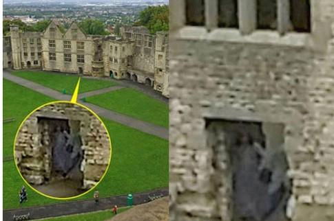Nỗi ám ảnh bóng ma trong lâu đài cổ ở Anh
