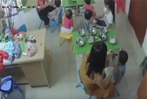 Sự thật giật mình: Vì sao trẻ chỉ bị các cô đánh khi ăn?