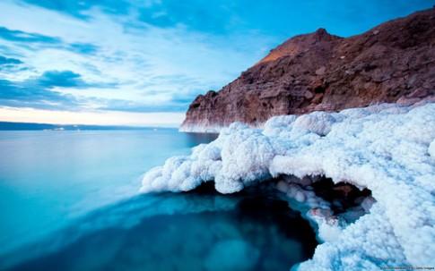 Tác dụng diệu kỳ của vùng Biển Chết đối với sắc đẹp.