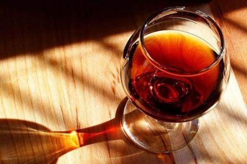 Tại sao bạn nên uống rượu vang thay vì tập thể thao vào dịp cuối tuần?