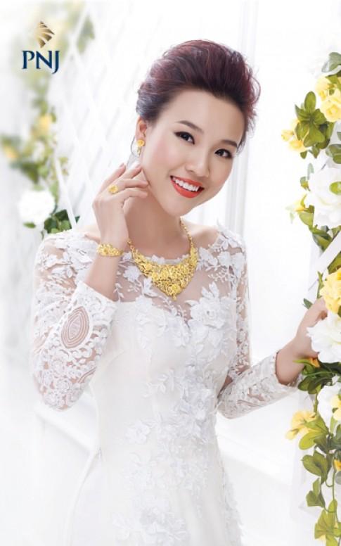Trang sức cưới cho cô dâu thêm rạng ngời.