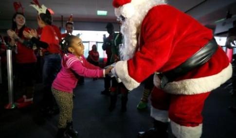 Trẻ em Mỹ được bay miễn phí tới gặp ông già Noel