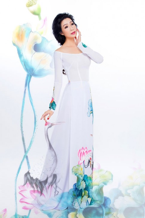 """Trịnh Kim Chi đẹp sang trọng, mặn mà """"gái 2 con"""""""