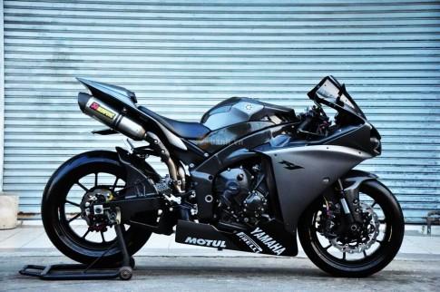 Yamaha R1 độ siêu ngầu và cực chất của biker Thái
