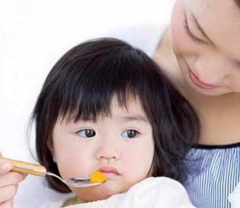 3 sai lầm cực lớn của cha mẹ Việt khiến trẻ càng ngày càng biếng ăn