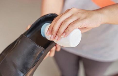 5 mẹo khử sạch mùi hôi chân khi đi giày nhiều