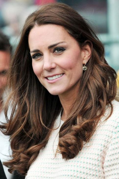 9 kiểu tóc đẹp thanh lịch quyến rũ công nương Kate Middleton