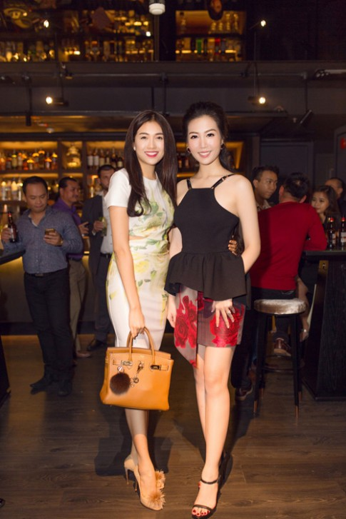 Á hậu Thuỳ Trang tái xuất xinh đẹp sau 2 năm kết hôn