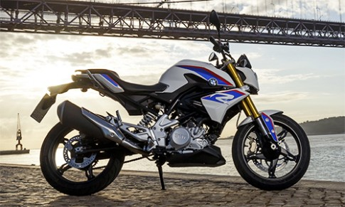 BMW G310R giá 5.700 USD - đối thủ Yamaha MT-03