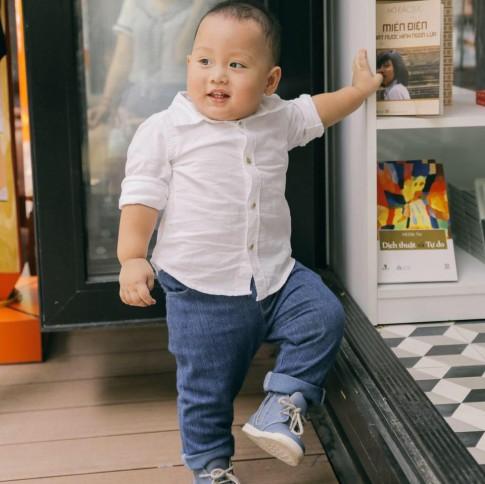 Cách nuôi con sinh non thành béo khỏe của bố mẹ bé '15 tháng lên đỉnh Fansipan'