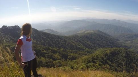 Cô gái Việt vượt qua 250 km sa mạc Acatama của Chile