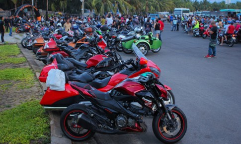 Hàng trăm môtô tụ hội tại Đà Nẵng