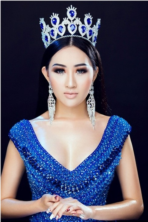 Hoa hậu Huỳnh Thuý Anh đẹp kiêu sa với tông trang điểm lạ