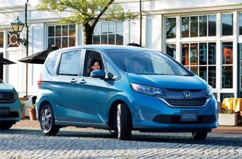 Honda Freed - xe 7 chỗ giá từ 17.700 USD tại Nhật