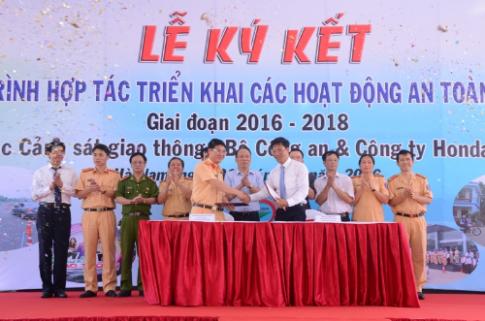 Honda Việt Nam đào tạo lái xe cho CSGT