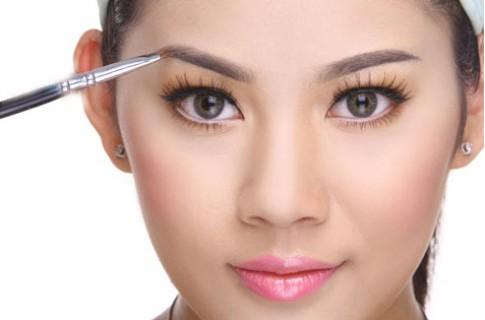 Hướng dẫn trang điểm cho da mặt nhờn dầu đúng cách hiệu quả