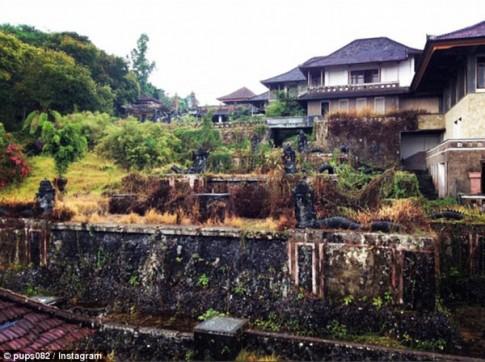 Khach san 5 sao khong nguoi o tren dao thien duong Bali
