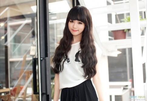 Kiểu tóc dài uốn xoăn sóng nhỏ đẹp 2016 cuốn hút sao kpop Hàn Quốc