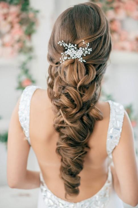 Kiểu tóc tết nhẹ nhàng tự nhiên đẹp cho cô dâu quyến rũ ngày cưới 2016